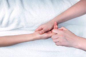 hand_reflexology_in_rossett_hand_image